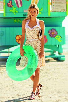Burda dress pattern sewing very retro vintage look to this sundress summer spring dress belt