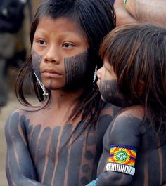 Yanomani Tribe, Brazil x We Are The World, People Around The World, Beautiful Children, Beautiful People, Tribal People, First Nations, World Cultures, Rainforests, Ethnic