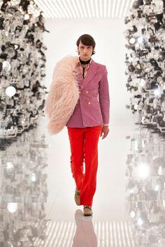 Alessandro Gucci, Alessandro Michele, Gucci Suit, Guccio Gucci, Gucci Brand, Fashion News, Fashion Show, Mens Fashion, Fashion Trends