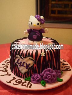 Hello Kitty-zebra cake