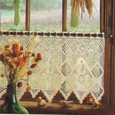 A lot of people had these type of crochet curtains in The Netherlands around Crochet Curtain Pattern, Crochet Curtains, Crochet Quilt, Curtain Patterns, Lace Curtains, Tunisian Crochet, Crochet Home, Filet Crochet, Crochet Doilies