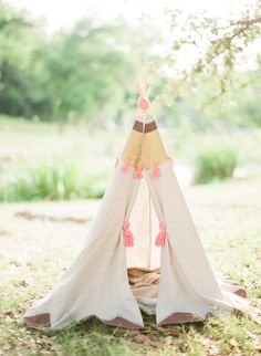Tee-pee: http://www.stylemepretty.com/living/2013/08/15/a-perfect-family-session-with-taylor-lord-lindsey-zamora/ | Photography: Taylor Lord - http://www.taylorlord.com/