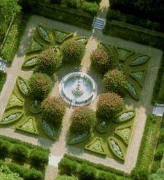 Best Ideas For Formal Garden Design - In this article we will discuss how to design a strictly formal garden on a large, rectangular area. Designing formal garden needs a little bit of hard work o Formal Garden Design, Small Garden Design, Landscape Architecture, Landscape Design, Roanoke Island, Parks, Evergreen Garden, Topiary Garden, Garden Hedges