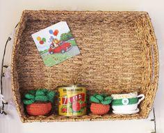 Colacorelinha | Ma Stump » Resultados da pesquisa » home office Home Office, Wicker Baskets, Diy Furniture, Upcycle, Handmade, Home Decor, Basket Weaving, Shelves, Filing Cabinets