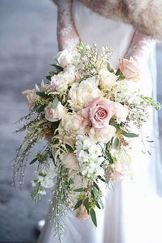 Wedding Bouquets Pictures, Cascading Wedding Bouquets, Summer Wedding Bouquets, White Wedding Bouquets, Wedding Flower Arrangements, Bride Bouquets, Bridal Flowers, Floral Wedding, Red Wedding