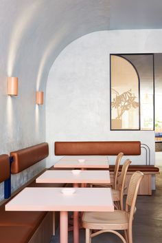 Studio Esteta's design approach for Fonda Bondi celebrates the fun, bright and youthful brand personality of the Melbourne-based Mexican street food eatery. #InteriorDesignCafe