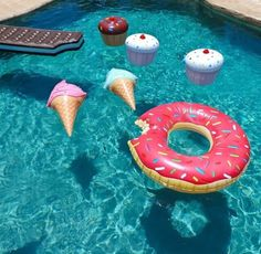 """3 Inflatable Vinyl Cupcakes Inflate to approximately 18"""". pool accessory pool donut ice cream cupcake smores"""