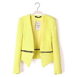 I totally want a yellow boucle jacket like this!