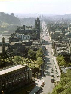 Scotland Nature, Scotland Travel, Scott Monument, Old Time Photos, Big Ben London, Edinburgh Scotland, London Restaurants, Most Beautiful Cities, Nightlife Travel