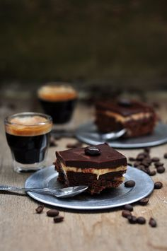 """myqu4lity:  something-everything-nothing:  maadfoodhouse:  Brownie """"Cappuccino"""" - Something Sweet to a Cup of Coffee  hello Tumblr  +"""