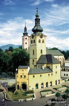 The town castle was once formed by several ancient buildings in the central Slovakian metropolis Banská Bystrica. Carl Sagan, Heart Of Europe, Ancient Buildings, European Countries, Central Europe, Bratislava, Hungary, Cool Pictures, Places To Visit
