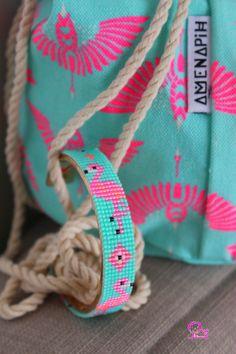 Design your own photo charms compatible with your pandora bracelets. Il fait bon , il fait chaud , c Loom Bracelet Patterns, Bead Loom Bracelets, Bead Loom Patterns, Beaded Jewelry Patterns, Pandora Bracelets, Beading Patterns, Bead Jewellery, Seed Bead Jewelry, Bead Loom Designs