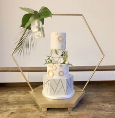 Excited to share this item from my shop: Cake Hexagon (base optional) Stand, Large Metal Wedding hexagon. Floral Hexagon ideal for florists, Cake makers and venue dressers. Wedding Cake Rustic, Wedding Cake Stands, Elegant Wedding Cakes, Wedding Cake Designs, Our Wedding, Dream Wedding, Wedding Venues, Hexagon Wedding Cake, Geometric Wedding