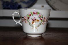 antik pillangós, virágos csésze