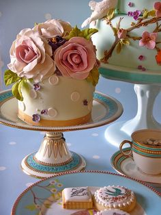 all the beauty things...rose cake