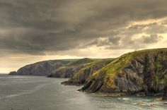 Pembrokeshire Coastal Path in Wales, so many places to go, so little time Beautiful Places To Visit, Great Places, Places To See, Wonderful Places, Places Around The World, Around The Worlds, Pembrokeshire Coast Path, West Coast Trail, Adventures Abroad