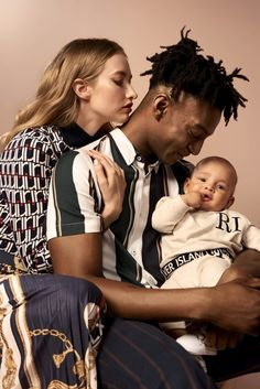 deluxenews // Ty Ogunkoya poses with his family as part of River Island's Spring 2019 campaign Family Picture Poses, Family Posing, Family Photos, Studio Family Portraits, Family Potrait, Interracial Family, Fashion Poses, How To Pose, Matching Family Outfits
