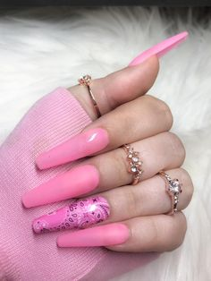 Nails Discover Pink Acrylic Bandana Press on Nails Glue on Nails Fake Nails Glitter nails Bling paisley false Nails glue on gift ideas Summer Acrylic Nails, Best Acrylic Nails, Acrylic Nail Designs, Gel Nail Art, Diamond Nail Designs, Summer Nails, Bling Nails, Swag Nails, Glitter Nails