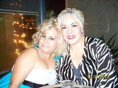 Yo con una amiga en un party en cristophers night club florida.