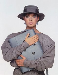 ISABELLA ROSSELLINI - 80s inspiration for CATs Vintage - 1980s style - fashion