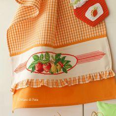 Asciugapiatti con inserto in aida avorio Fresh Tomato Salsa, Bbc Good Food Recipes, Table Linens, Needlepoint, Cross Stitch, Hobby, Embroidery, Kitchen, Dish Towels