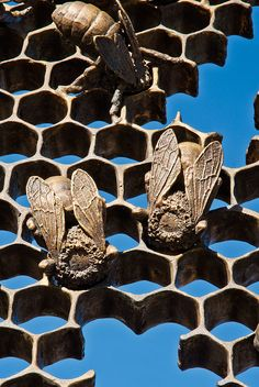 Christopher Russell • Sculpture Bees for Sunset Park  South gate detail