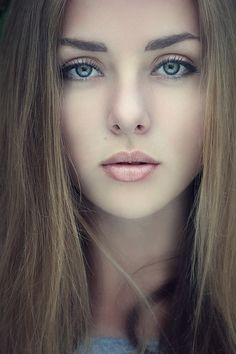 Portrait's of Beauty Pretty Eyes, Beautiful Eyes, Simply Beautiful, Beautiful Women, Girl Face, Woman Face, Portraits, Interesting Faces, Pretty People