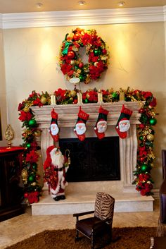Delightful Home Fireplace Christmas Design Ideas Introduce Brilliant Home Christmas Garland Complete Idyllic Small Hanging Stocking Also Alluring Hanging Wreath Decor. Special Hanging Stockings For Your Mantel Christmas Decoration. Diy Christmas Mantel, Christmas Fireplace Mantels, Fireplace Garland, Gold Christmas Decorations, Christmas Design, Christmas Home, Christmas Ideas, Vintage Christmas, Office Christmas