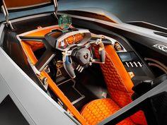 Lamborghini Egoista'nın İç Görünümü