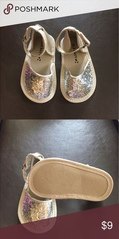 🌷ALL TODDLER‼️BUNDLE FOR PRIVATE DISCOUNT Never worn. Best for non, or beginning walker. Old Navy Shoes Sandals & Flip Flops
