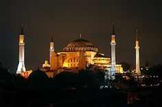 Here is the must-see mosques of Istanbul which is not enough to hear of them.