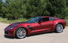 Here are new photos showing a 2016 Corvette Z06 in the new color called Long Beach Red.