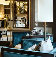 Richness of chairs! Like the wood trim. French Interior, Best Interior, Luxury Interior, Interior And Exterior, Living Room Inspiration, Furniture Inspiration, Interior Inspiration, Hotel Restaurant, Lobby Interior