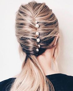 See the best ponytail hairstyles and ponytail ideas for 2019 that include hair accessories, braided ponytails, and more. Dinner Hairstyles, Ponytail Hairstyles, Diy Hairstyles, Straight Hairstyles, Casual Hairstyles, Gorgeous Hairstyles, Pinterest Hairstyles, Elegant Hairstyles, Hairdos