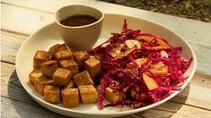 Cubes de tofu croustillants, avec petite sauce, faut que j'essaie cela cette semaine!