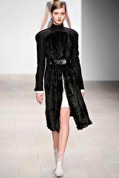 David Koma Fall 2012 Ready-to-Wear Fashion Show