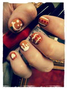 nailpopllc:    I caught the gingerbread man and turned him into fabulous nail art!