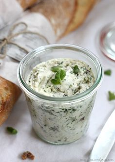 Heute teile ich ein Lieblingsrezept: Kräuterbutter mit Feta-Käse