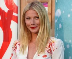 Get The Look Gwyneth Paltrow Summer-Ready Makeup Makeup Tips Makeup Beauty Trends Contour Makeup, Skin Makeup, Beauty Makeup, Hair Beauty, Contouring, Beauty Trends, Beauty Hacks, Sommer Make Up, Makeup For Older Women