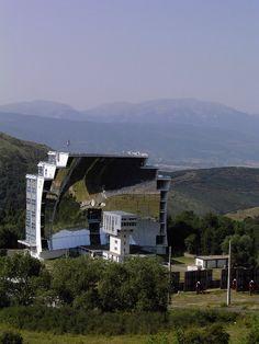 Using the sun - Font-Romeu, Languedoc-Roussillon  Four solaire d'Odeilho ou quand la France était précurseur dans le photovoltaïque...