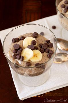 Peanut Butter Banana Chia Seed Pudding 1 cup unsweetened vanilla-flavored almond milk 1 banana plus extra for garnish 2 tbsp smooth peanut butter 2 tbsp agave nectar 1/8 tsp salt 3 tbsp chia seeds chocolate chips