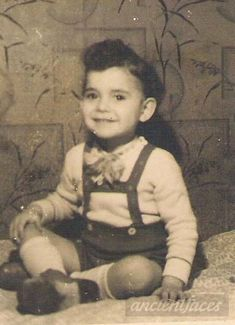 Ludwig Solnik was only 5 when he was sadly killed in a mass grave in Zella, Germany in 1943.