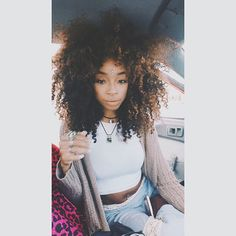 {Grow Lust Worthy Hair FASTER Naturally} ========================= Go To: www.HairTriggerr.com =========================     That's a Divalicious Curly Fro!!!