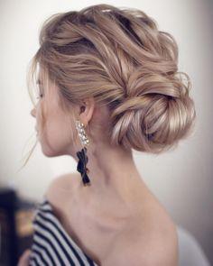 #hair @tonyastylist #loose #lovelyhair #updo #twists #bun #simple #weddinghair