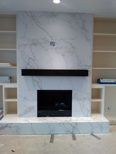 Wonderful Cost-Free Marble Fireplace wall Strategies Natural-stone fireplaces won't ever walk out style, particularly those who feature elaborate surro Fireplace Feature Wall, Fireplace Tv Wall, Brick Fireplace Makeover, Fireplace Remodel, Modern Fireplace, Living Room With Fireplace, Unused Fireplace, Granite Fireplace, Marble Fireplace Surround
