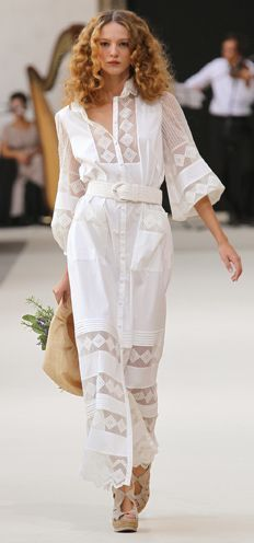 Summer Lux Linen Dress |Luisa Beccaria  (Lovely! Most of us will have to have our own fancy pure, white linen dress handmade from a nice, lovely pattern idea...)