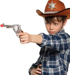 Pistole Sheriff (30 cm) Jungen Kinder A good sheriff always has his pistol with him and that also applies to anyone who only occasionally dons the sheriff's costume. The pistol becomes the highlight of the whole costume because of its decorations. Details: – Scheriff pistol made of plastic – Costume accessories Dimensions: – approx. 30 … Gun sheriff (30 cm) boys children yazısı ilk önce Party üzerinde ortaya çıktı.