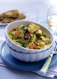 Our popular recipe for chicken coconut curry with spinach and more than other free recipes on LECKER. Our popular recipe for chicken coconut curry with spinach and more than other free recipes on LECKER. Spinach Recipes, Healthy Chicken Recipes, Low Carb Recipes, Free Recipes, Recipe Chicken, Shrimp Recipes, Asian Recipes, Eat Smart, Curry Recipes