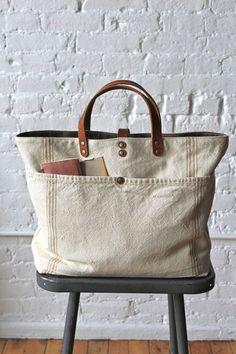 1920's era Farm Feed Sack Pocket Tote - FORESTBOUND Diese und weitere Taschen auf www.designertaschen-shops.de entdecken