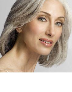 natural stunning make up for mature ladies.